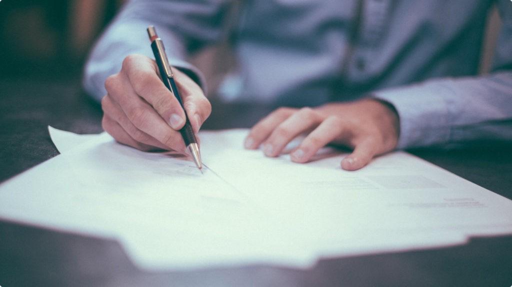 Osoba podpisująca dokumenty prawnicze lub adwokackie